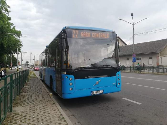 Un șofer de autobuz din Oradea a fost bătut de 7 adolescenți, după ce le-a cerut să poarte măști de protecție. Bărbatul a avut nevoie de ingrijiri medicale