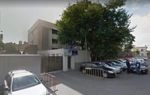 Amantlâc, pumni și păruială în sediul Poliției Capitalei / O agentă a fost tăvălită de nevasta unui coleg, iar șefii au mușamalizat cazul de ultraj