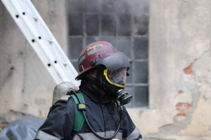 Incendiu puternic la Spitalul de Psihiatrie Vulcan, din Brașov. Sute de pacienți au fost evacuați de urgență