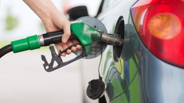 """Vești proaste pentru șoferi! Care este acum prețul unui plin de carburant. """"Avem cel mai scump combustibil"""""""