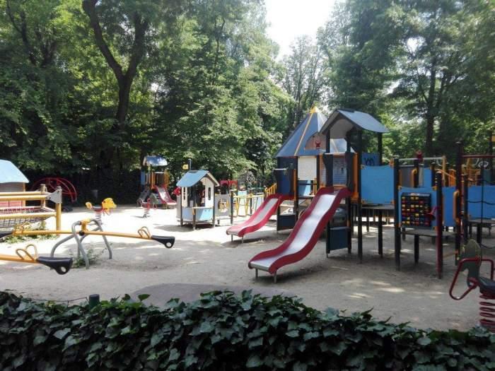 Locurile de joacă din București au devenit un pericol pentru copii. Ce măsuri au luat autoritățile