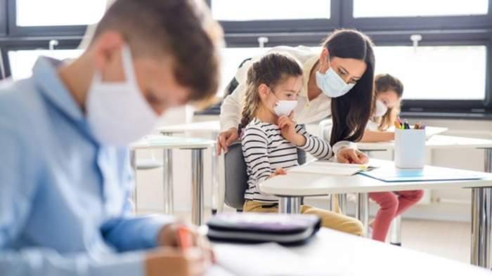 13 septembrie, prima zi de școală. Cât de periculoasă este varianta Delta a noului coronavirus pentru copii si cum îi putem proteja