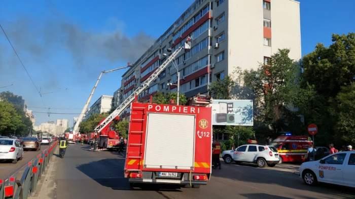 Cel mai mare mall din Brașov a luat foc. S-a intervenit cu mai multe autospeciale de pompieri