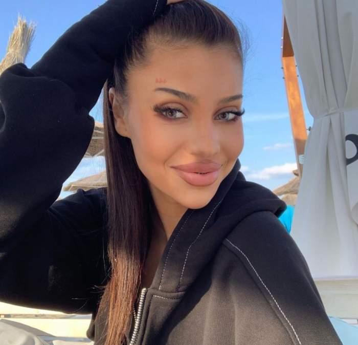 Roxana Ferariu este cea de-a șasea candidată la postul de asistentă a emisiunii Acces Direct. Tânăra abia a împlinit 18 ani / VIDEO