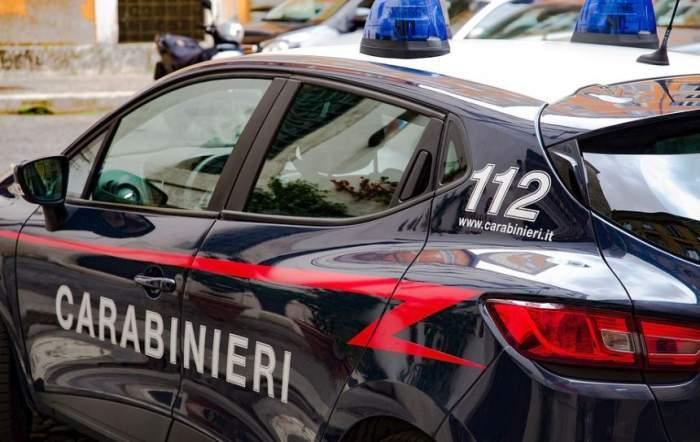 Mașină de carabinieri în Italia