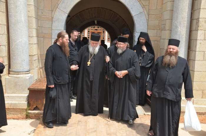 Jumătate dintre călugării de la Muntele Athos, infectați cu noul coronavirus. Au fost înregistrate și decese