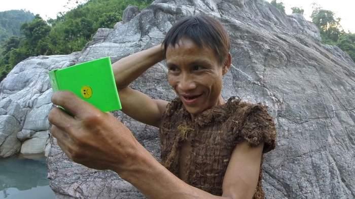 A murit vietnamezul supranumit Tarzan, care a trăit 40 de ani în junglă. Ho Van Lang a făcut cancer după 8 ani de civilizație / FOTO