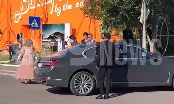 Gică Popescu și Gică Hagi au ajuns la nunta Simonei Halep cu Toni Iuruc. Foștii sportivi, alături de soțiile lor la evenimentul anului / PAPARAZZI