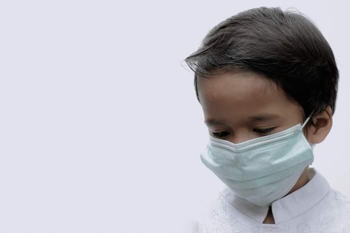 Copil de șapte ani din Botoșani, mort după ce s-a întors de la școală. Polițiștii au deschis un dosar penal