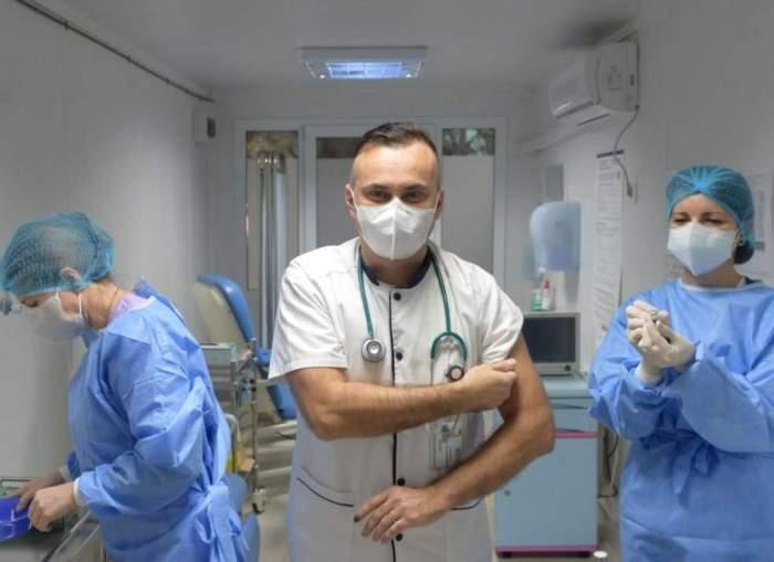 """Doctorul Adrian Marinescu, despre sfârşitul pandemiei COVID-19: """"Sezonul rece e ultima strigare, dispare cu totul"""""""