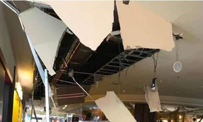 Tavan prăbuşit la un mall din Cluj-Napoca, lângă locul de joacă. Viața a zeci de persoane, la un pas de a fi pusă în pericol / FOTO