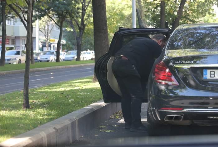 Vasile Geambazi nu ține cont de mediu, dar de temperaturi, da. Cum a crezut nepotul lui Gigi Becali că strada îi este scrumieră personală / PAPARAZZI