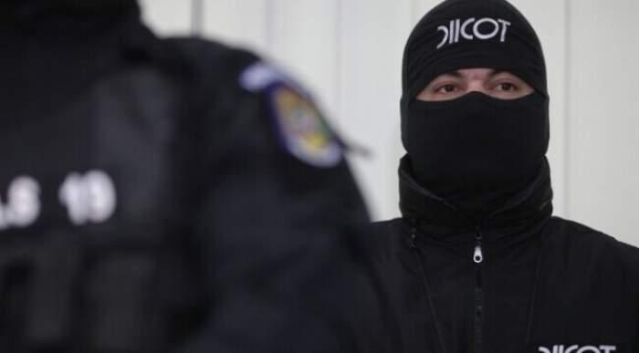 Doi bărbați din Brașov au fost arestați, după ce un tânăr de 21 de ani care a cumpărat droguri de la ei a murit