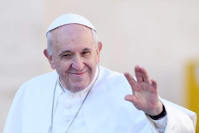 papa francisc saluta poporul