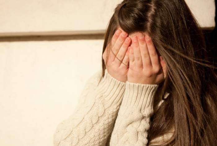 O fetiță de nouă ani a fost ucisă de un preot în timp ce acesta o abuza fizic. Tragedia a stârnit proteste de proporții