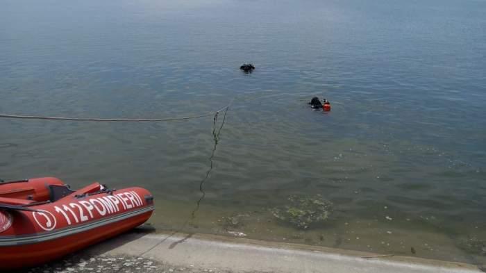 Un bărbat a murit după ce a căzut cu mașina în Dunăre. Șoferul a fost găsit de scafandri / VIDEO