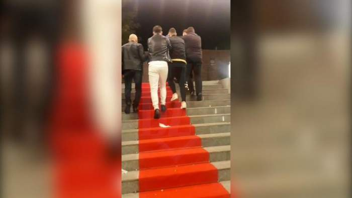 Imagini scandaloase la concertul lui Carla's Dreams din Iași! Mai mulți petrecăreți au fost bătuți cu bestialitate de către agenții de pază / VIDEO