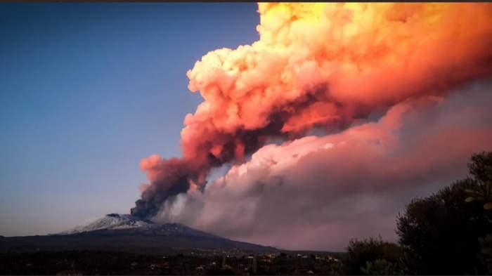 Ce substanțe conține și cum ne afectează norul toxic generat de erupția vulcanului din La Palma. Va fi deasupra României timp de două zile