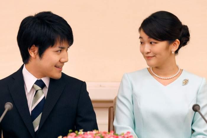 Cine este prințesa Mako a Japoniei și de ce trebuie să renunțe la peste un milion de dolari pentru a se căsători cu iubitul ei, Kei Komuro