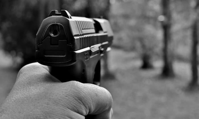 Moldovean, împușcat și îngropat într-o pădure din Paris. Oamenii legii l-au găsit pe bărbat după ce au primit un apel anonim