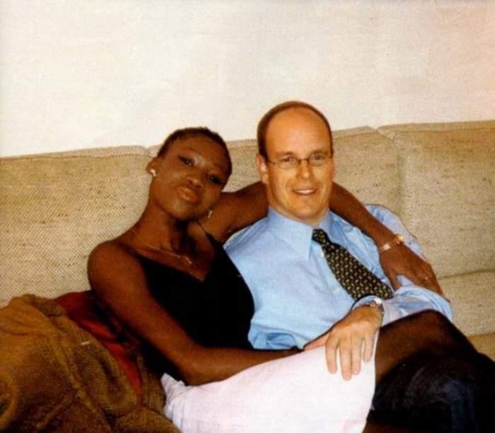 Prințul Albert de Monaco, surprins alături de fosta amantă cu care are un copil. Soția lui, Charlene, încă se află în Africa