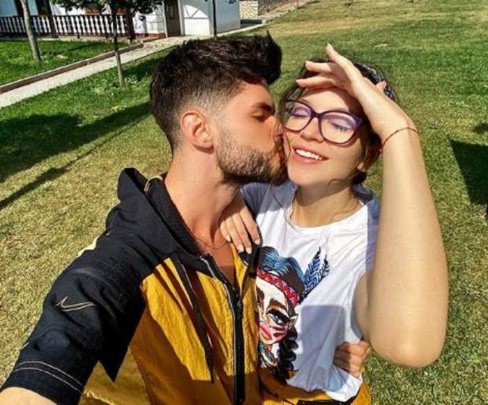 Edward Sanda o sărută pe obraz pe  Cleopatra Stratan