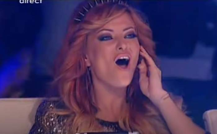 Cum arăta Delia Matache în 2012, la prima apariție în juriul X Factor. Emisiunea era la al doilea sezon