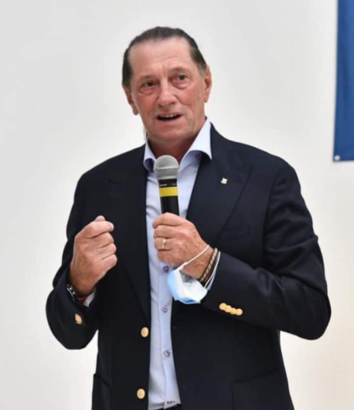 Ivan Patzaichin, vorbind la microfon
