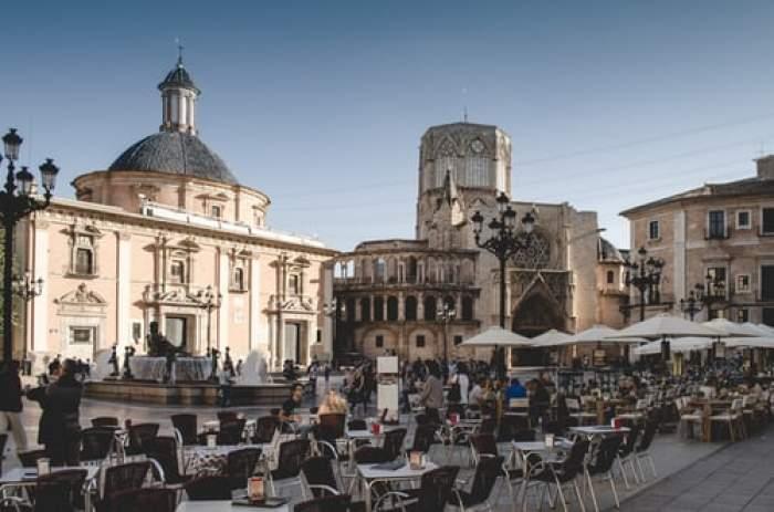 Restaurantele din Spania nu au voie să le ceară clienților certifcatul COVID. Curtea Supremă a interzis măsura
