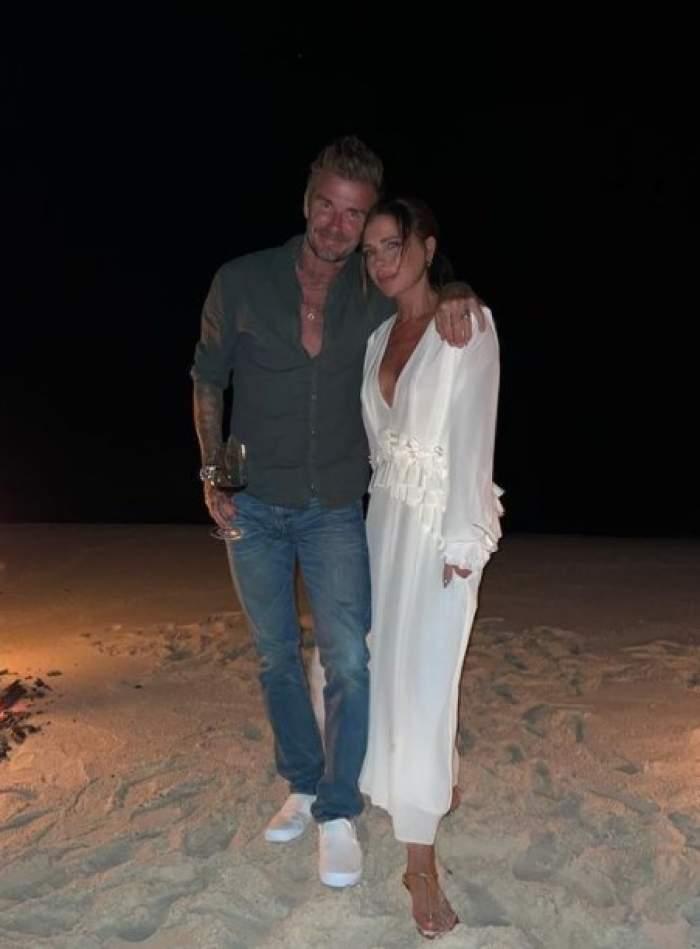David Beckham, cu fundul pe afară într-o poză postată de soția lui. Victoria Beckham le-a arătat tuturor ce are acasă / FOTO