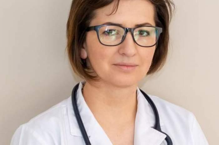 Ioana Mihăilă, în halat alb