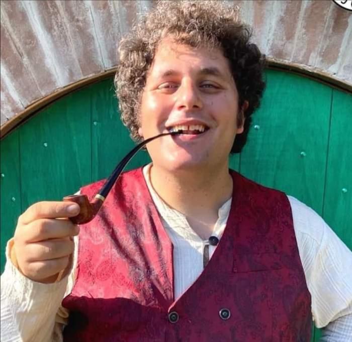 """Un patiser din Italia trăiește de trei ani asemenea unui hobbit din ,,Lord of the Rings"""". Bărbatul și-a construit singur propria vizuină"""