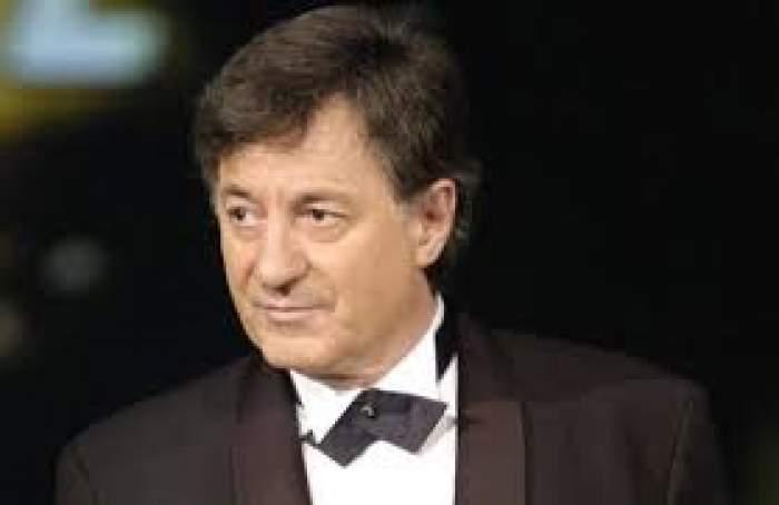 Ion Caramitru, în costum negru cu papion