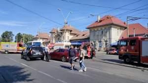 Două microbuze s-au ciocnit în fața Gării Obor din București. În urma impactului, zece persoane au ajuns la spital