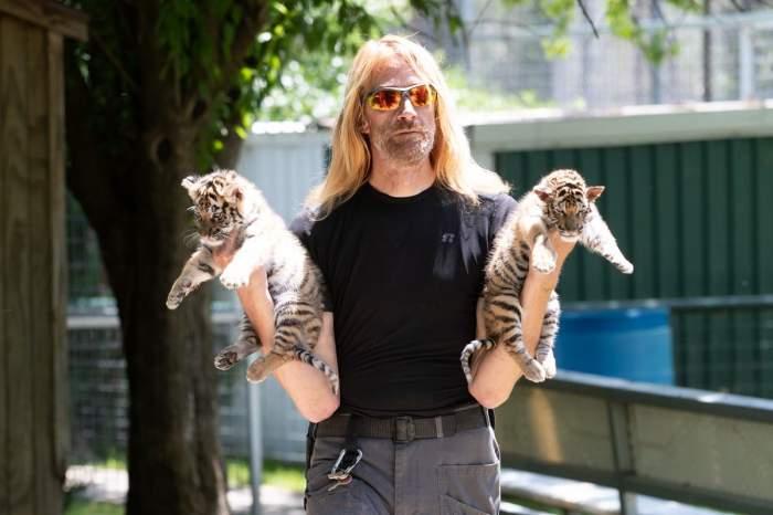 Celebrul îngrijitor de lei, Erik Cowie, a murit, la 53 de ani. Vedeta de pe Netflix a fost găsită în condiții suspecte