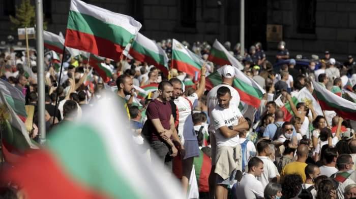 """Protest în Bulgaria din cauza noilor restricții impuse de valul patru Covid-19. """"Statul nu a fost suficient de activ în campania de vaccinare"""""""