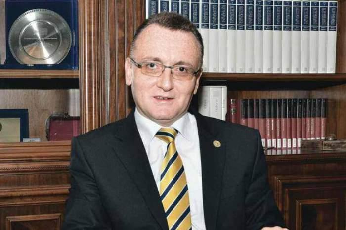 """Ministrul Educației, Sorin Cîmpeanu, susține că învățământul românesc nu este pregătit pentru predarea online: """"O să insist pentru prezență fizică"""""""