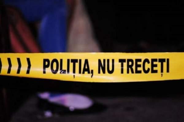 Banda poliției de a opri trecerea către un accident