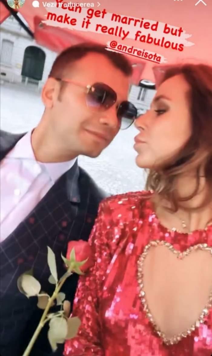 Andrei Sota și soția, îmbrăcați eleganți se privesc unul pe altul