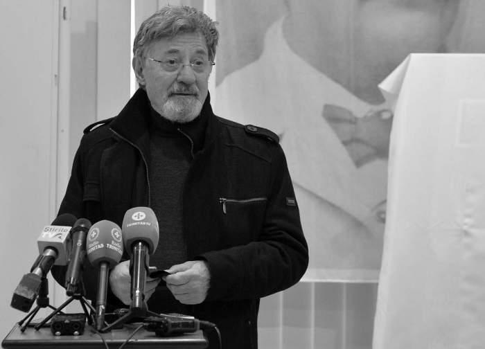 Cortegiul cu trupul neînsufleţit al lui Ion Caramitru se va opri vineri în faţa TNB. Regretatul actor a ocupat funcția de director mai bine de 15 ani